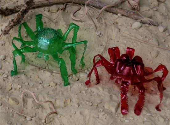 Пластиковые крабы