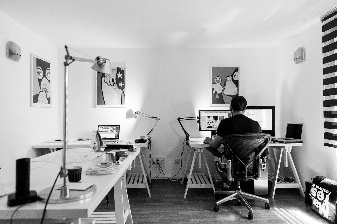 Если все работают дома... ( как организовать работу и жизнь)
